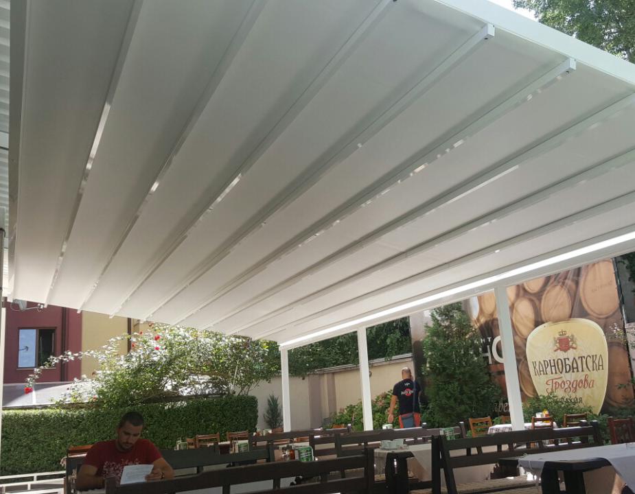 Пергола С120 в ресторант-градина